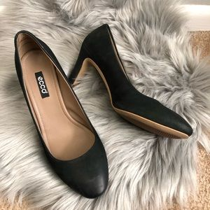 Ecco black leather heels comfort shoes 10.